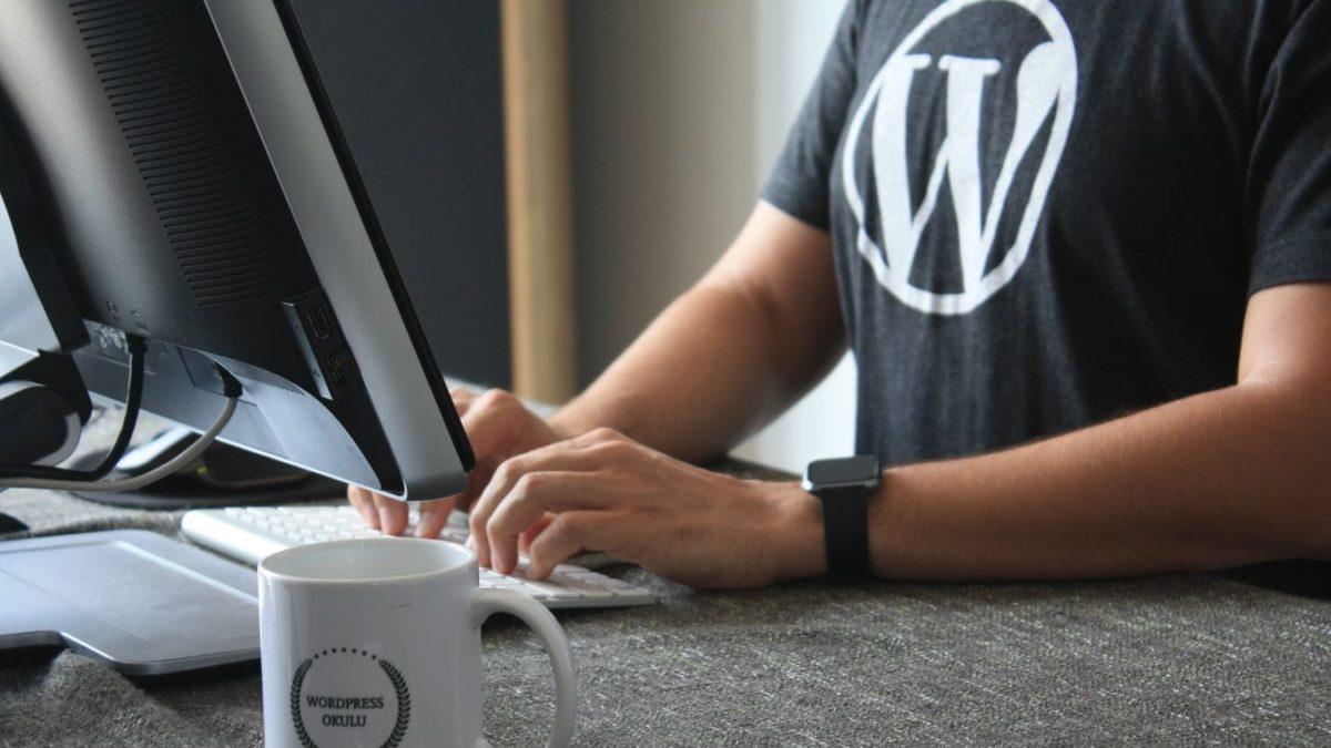 Czy warto posiadać własną stronę internetową?