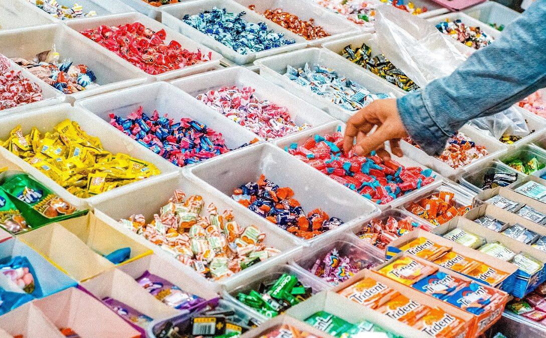 Maszyna do pakowania słodyczy to inwestycja, która szybko przemieni się w zysk