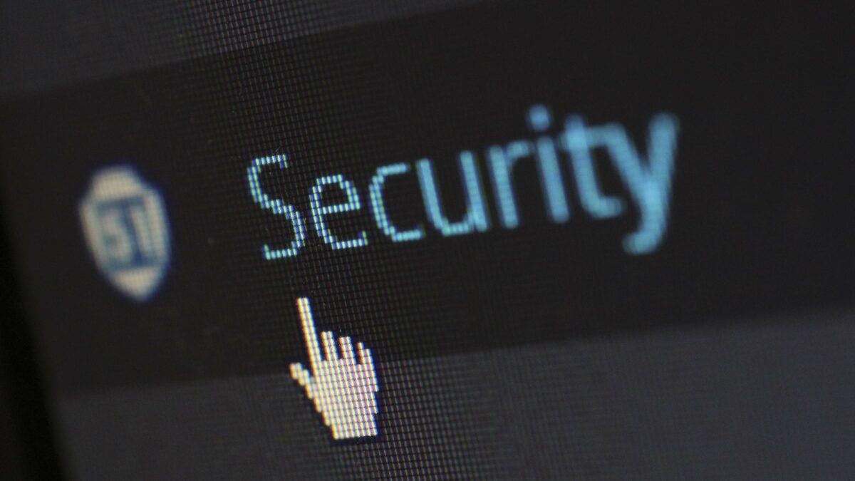 Jak dbać o bezpieczeństwo IT w firmie? 5 prostych zasad