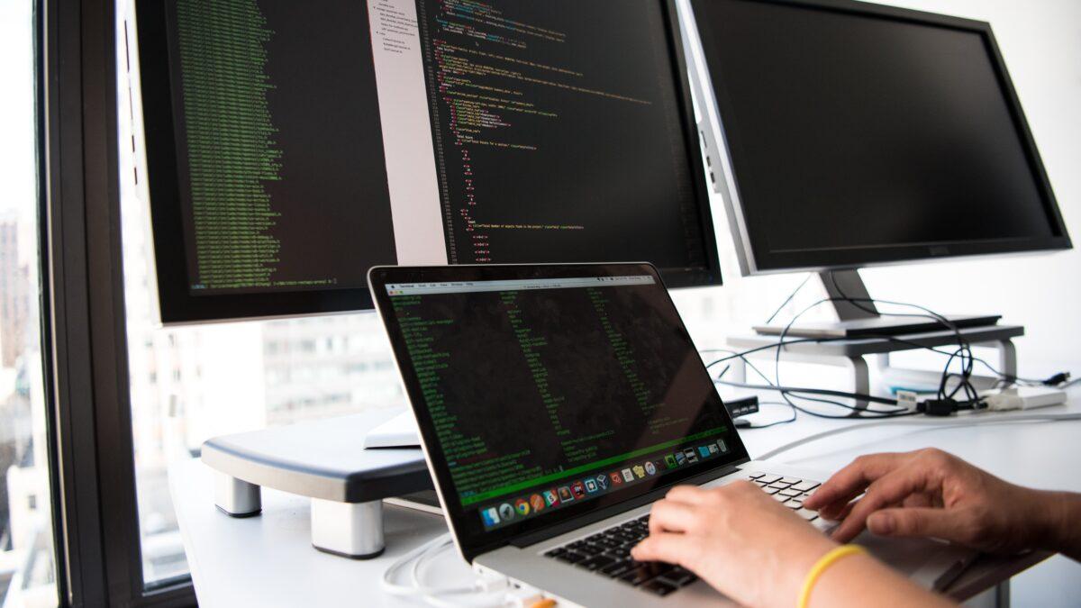 Jak zabezpieczyć infrastrukturę IT przed wyciekiem danych?