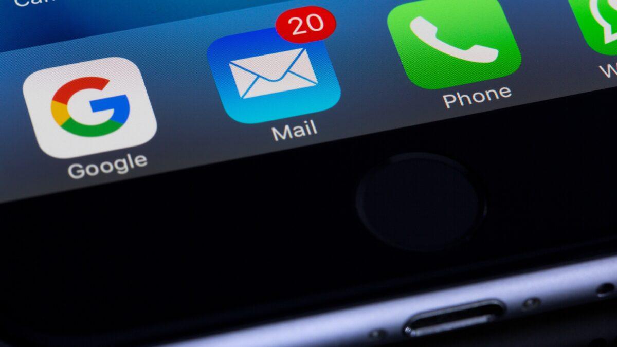 Czym jest spam i jak się przed nim chronić?