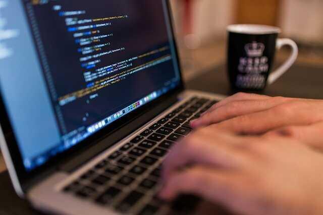 Dlaczego warto korzystać z kreatora stron www?